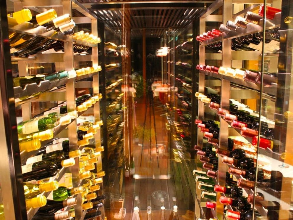 ソムリエセレクトの豊富なワイン